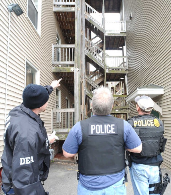 Local and state police and DEA agents were at an apartment complex on the corner of Maple and Knox streets in Lewiston on Thursday morning during a series of crack cocaine and heroin arrests across the Twin Cities, the culmination of a months-long federal investigation.