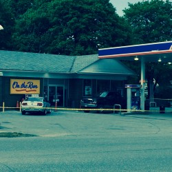 Brewer convenience store robber remains at large