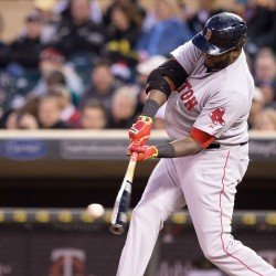 Ortiz gets 2,000th, Sox hammer Tigers