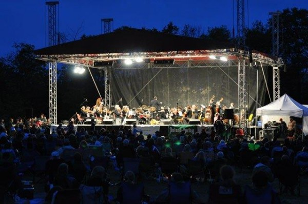 Bangor Symphony Orchestra perform at the 2013 Kingfield POPS.