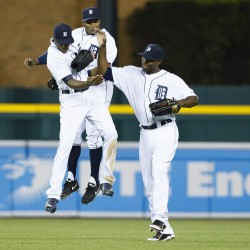 Kinsler, Hunter lift Tigers by slumping Sox