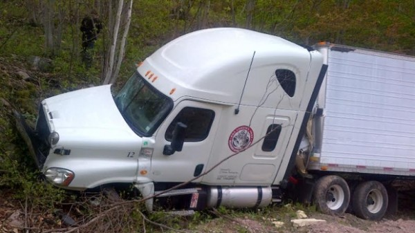 A tractor-trailer truck with LT Maine Trucking of Machiasport, which was carrying 40,000 pounds of live lobster, crashed in Canada last week while coming down a mountain road in Cape Breton, Nova Scotia.