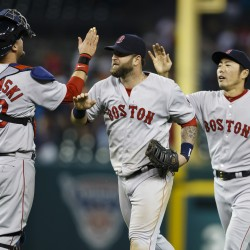 Ortiz has pinch-hit homer in ninth for as Sox split