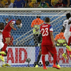 Jones, Dempsey score, US advances in Gold Cup