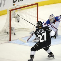 Brown's goal in second OT propels Kings over Rangers, 5-4