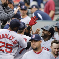 Sox hit five homers in win over Mariners; Ortiz ties record for career hits as DH