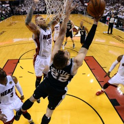 James helps Heat even series with Spurs in NBA Finals
