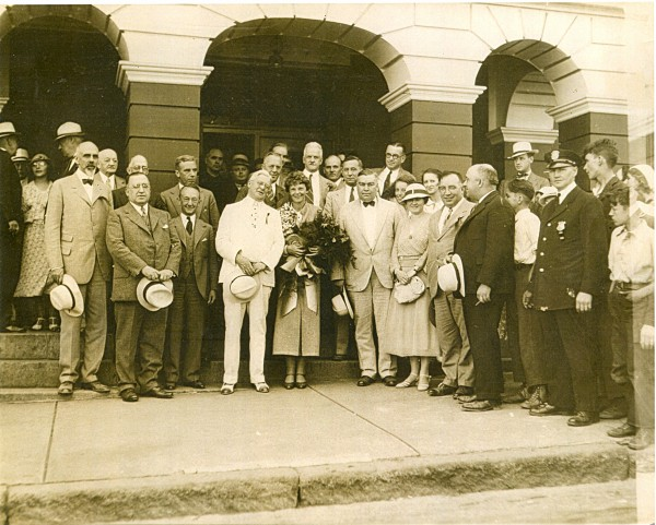 1933: Amelia Earhart (center) visits the Bangor House