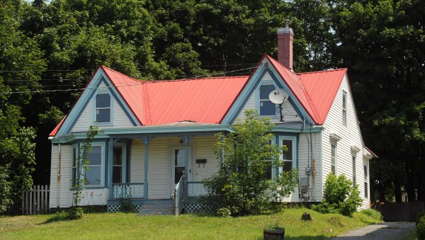 The oldest frame house in Brewer, built in 1782, is up for sale.