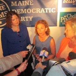 Democratic national chairwoman visits Portland