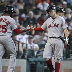 Astros rally past Red Sox in eighth