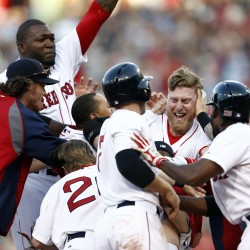 Red Sox outlast White Sox in 14 innings on Bradley double