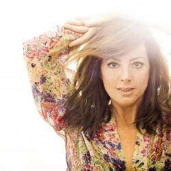 Mystery, heartbreak and humor as Sarah McLachlan performs on Bangor Waterfront