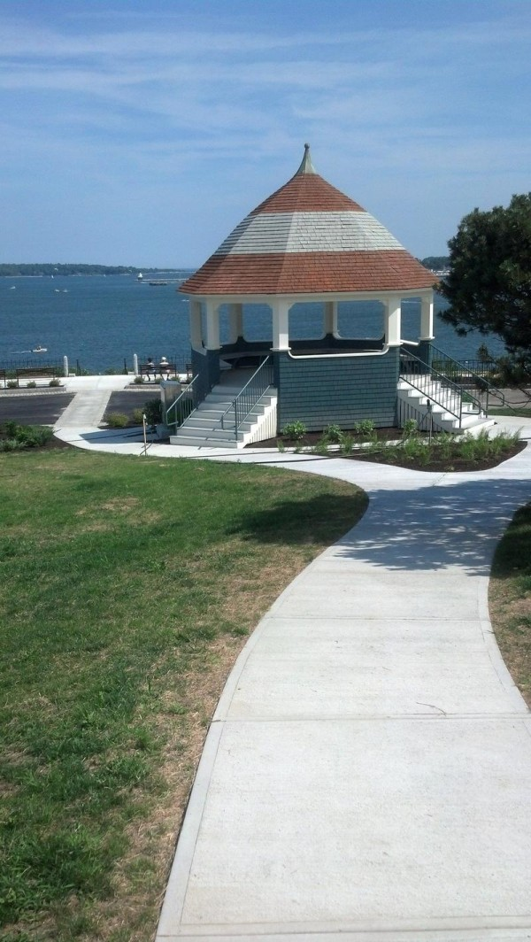 As it did a century ago, Fort Allen Park now includes a central walkway connecting the Eastern Promenade with the park's bandstand.