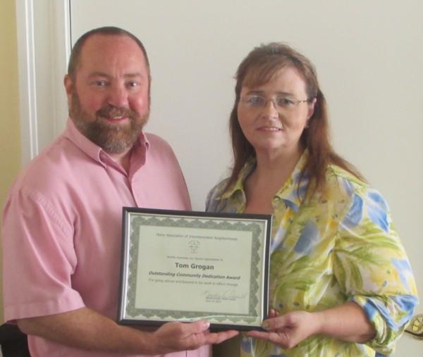 MAIN's Outstanding Community Dedication Award winner Tom Grogan with MAIN leader, Kandie Desell