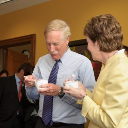 Collins/Obama Bipartisan Lunch: Gifford's Ice Cream and Wild Blueberry Pie for Dessert