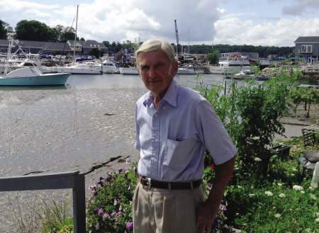 Frank Handlen visits the Performance Marina shipyard.