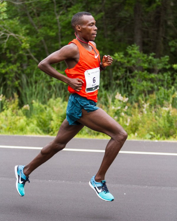 Bedan Karoki Muchiri won the Beach to Beacon 10k in Cape Elizabeth Saturday.