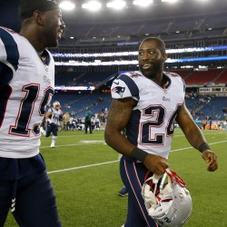 Woodhead bolts Patriots for Chargers