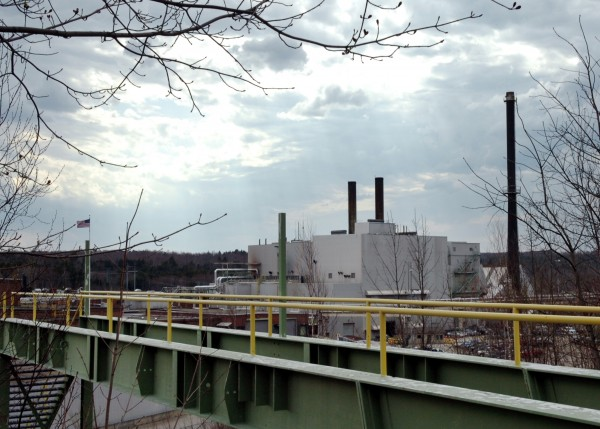 Great Northern Paper Co. issued federally-mandated layoff notices to workers at its idled local mill Friday.