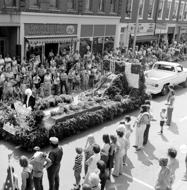 The Maine Lobster Festival winning floats ride down the street on Aug. 6, 1975, in Rockland.
