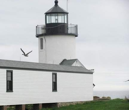 A battle is brewing over the Goat Island Light foghorn, which was changed to an on-demand technology by the U.S. Coast Guard.
