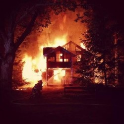 Fire destroys Knox home