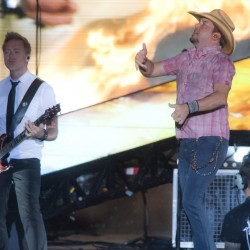 Country star Jason Aldean performs on Bangor Waterfront