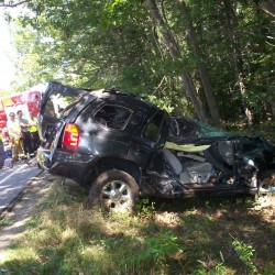 Jefferson man dies in 2-car accident Tuesday morning