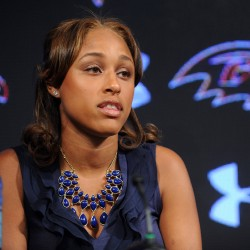 Contrite Ravens' Rice apologizes to wife, family