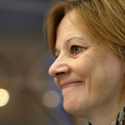 GM chief apologizes, vows to investigate possible cover-up of safety defect