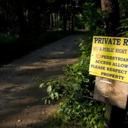 Florida woman buys road required for public access to private Harpswell beach, vows to keep it private