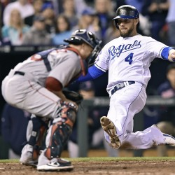 Royals sweep Red Sox in Sunday twinbill