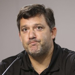NASCAR's Tony Stewart pulls out of race after hitting, killing driver