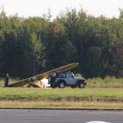 Landing gear fails as commuter plane lands in Owls Head