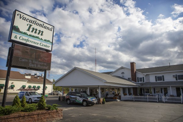 Travel Channel series 'Hotel Impossible' works its magic on Vacationland Inn in Brewer — Living — Bangor Daily News — BDN Maine