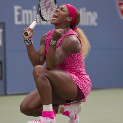 Federer cruises, top women advance at U.S. Open
