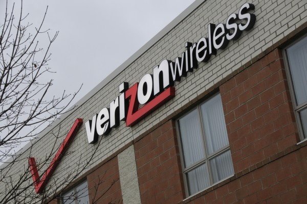 Verizon Wireless plans to hire 90 more customer service employees at its Bangor call center by the end of the year, bringing the total head count to about 300.