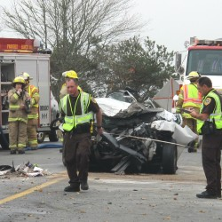 2 killed, 3 injured in Trenton crash