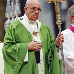 Show mercy, don't rush to condemn, Pope Francis urges