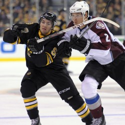 Roy's Avs stay unbeaten, edge Bruins