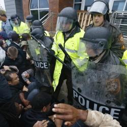 Veterans decry 'intimidating' police response in Ferguson