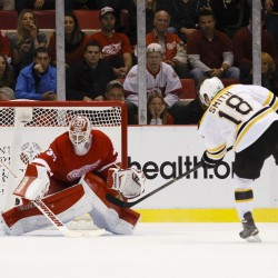 Former UMaine stars lead Red Wings by Bruins