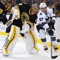 Krejci's last-second goal lifts Bruins by Sharks
