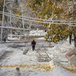 Storm cuts power for 140,000
