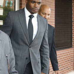 Adrian Peterson remaining focused while chasing Dickerson