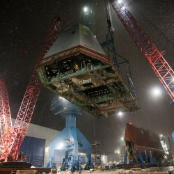Newest destroyer deskhouse is lifted into place at BIW