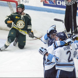 Vermont completes sweep of UMaine hockey team; Black Bears winless on road