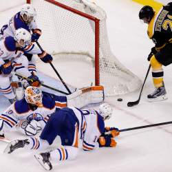 Ryder, Bruins beat Oilers 3-2 to win 5th straight