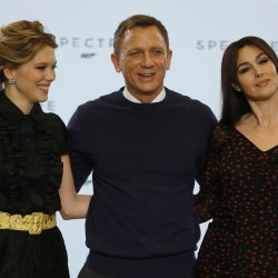 James Bond (and Daniel Craig) back on the job with 'Skyfall'